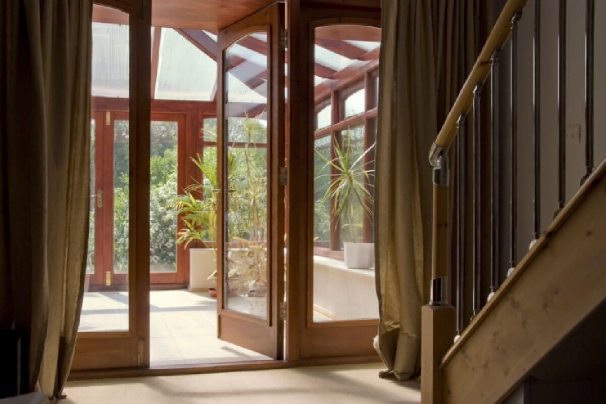 Upvc window designs stoke upvc windows stoke for Upvc window designs